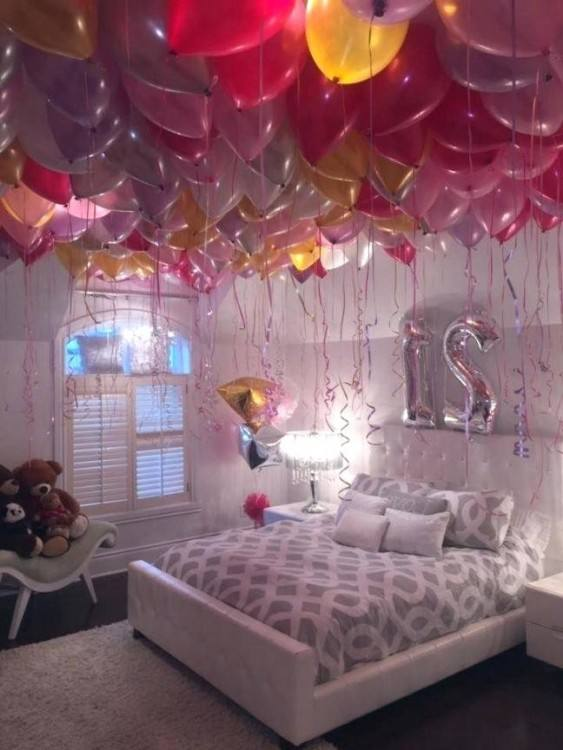 This surprise room decoration will definitely give you a romantic feel