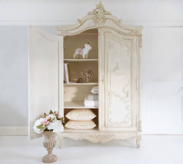 French Gray is a thriving small business specialising in bespoke Vintage  English and French furniture hand painted in Devon using 'Annie Sloan' and  '