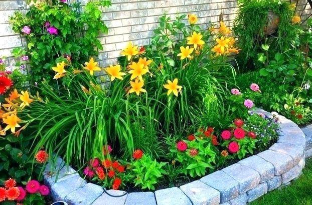 garden in front of house designing