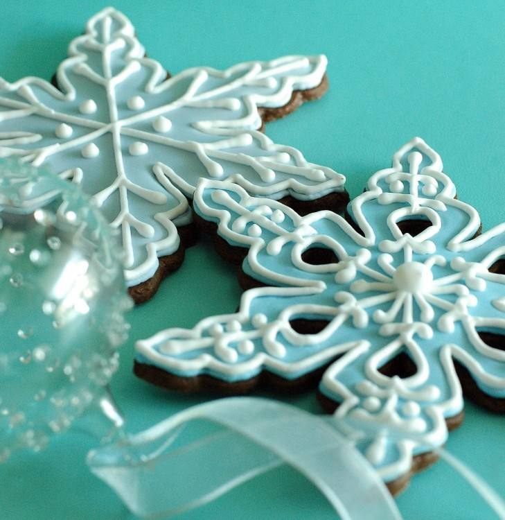 Snowflake Cupcake Toppers with Light Blue Bow