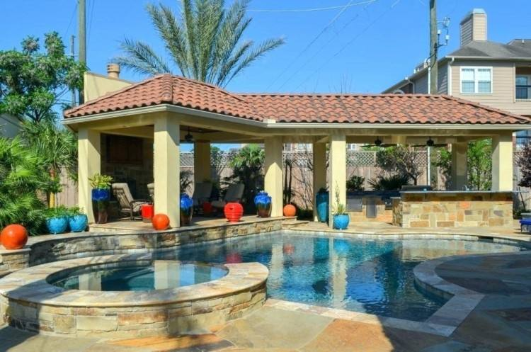 There are so many swimming patio shade ideas out there, but this simple yet  elegant design really catches the eye while creating a comfy space