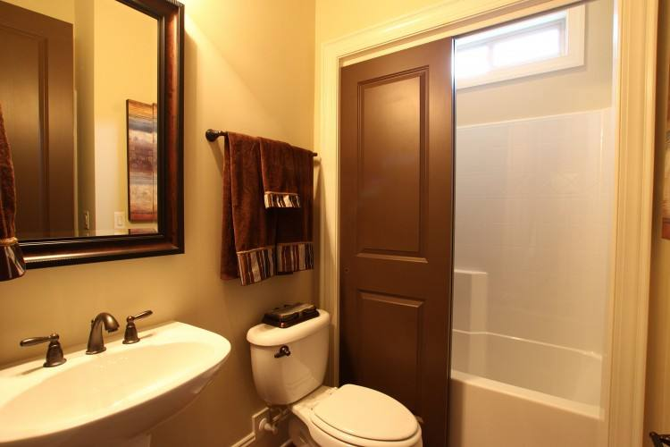 best ideas about apartment  bathroom decorating