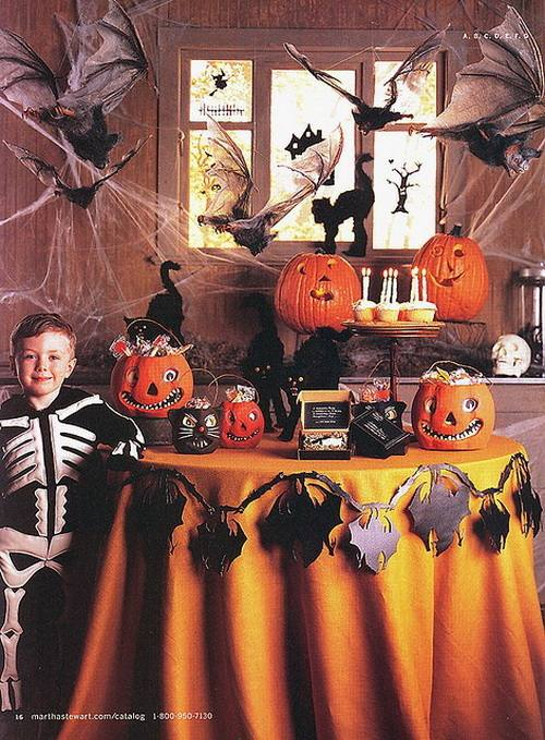 Be inspired by these easy, spooky Halloween table settings and decoration  ideas to ensure your party is a scream