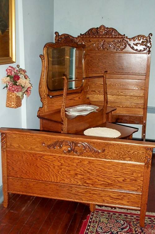 1930 bedroom furniture
