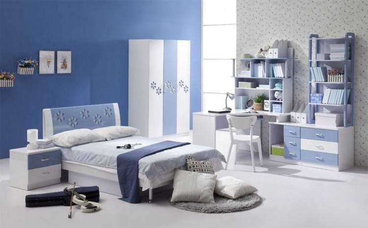 Modern bedroom design featuring a blue, gray, white and wood tone color  scheme, a large woven basket as wall decor over the bed, layers of blue,  gray,
