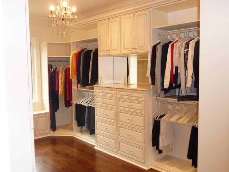 From design through installation, Closet Factory creates custom closets,  home offices, garage storage, and more for South Florida homes