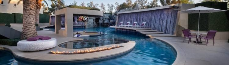 The article features photos of a sustainable pool built by Red  Rock