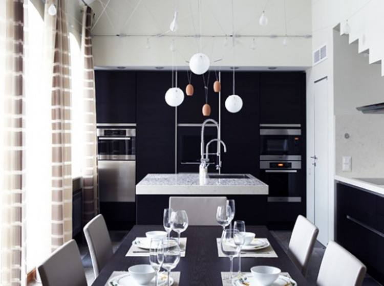 Sophisticated dining room in black and gray [Design: A