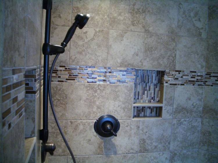 tile accents in bathroom