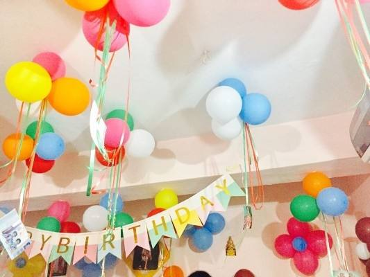 So make your loved ones birthday memorable with these super awesome birthday  balloon decoration ideas at home