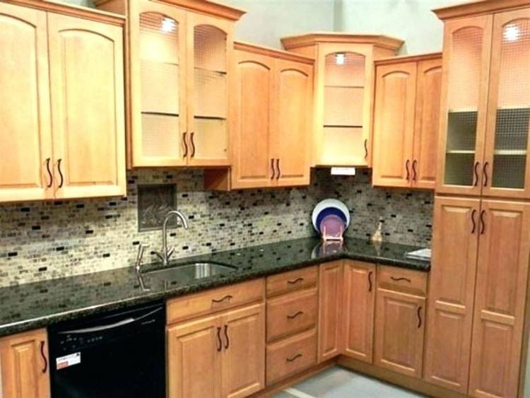 kitchen colors with light wood cabinets