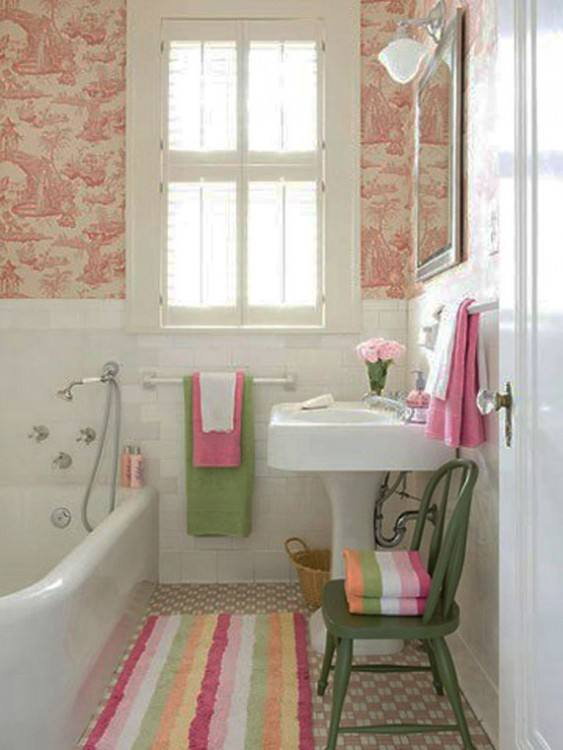 I am so excited to share our new hall bathroom with you all today! A couple  of weeks ago I got an itch to g