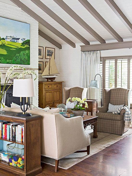 Examples and ideas to help you furnish  and organize your small living room