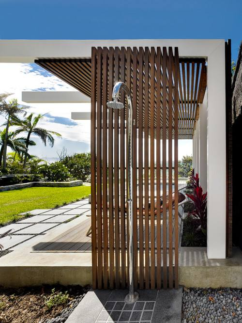 Noosa Outdoor Shower on a Jetty in Moonee Ponds, Melbourne