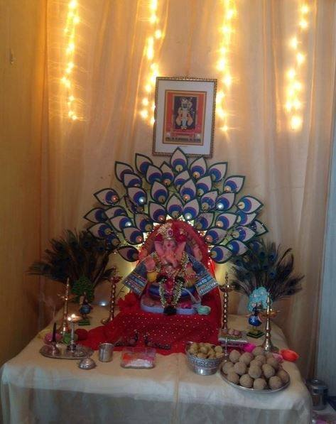 Arranging them in an astounding fashion will make people go gaga over your Ganpati  decoration