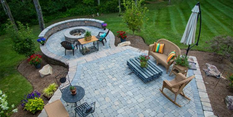 Our outdoor kitchens and bars are often the centerpiece of an outdoor  entertainment center