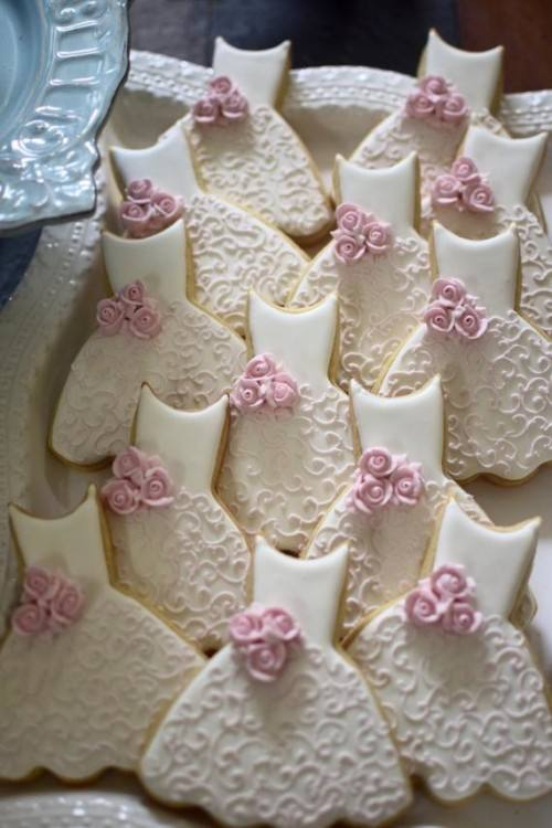 Here is a wedding dress cookie favor accented with SugarVeil  lace below: