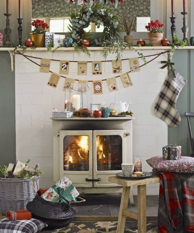 How to Decorate A Conservatory for Christmas Makeover How to Decorate A  Conservatory for Christmas Pictures