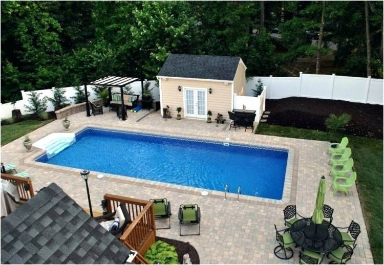 Swimming pool & Elegance!!Near the beach, famous golf courses & the airport