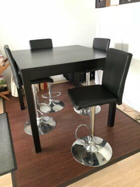 dining suite with Benson chairs