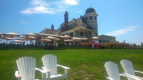 I recently visited Castle Hill Inn on a couple different occasions  for