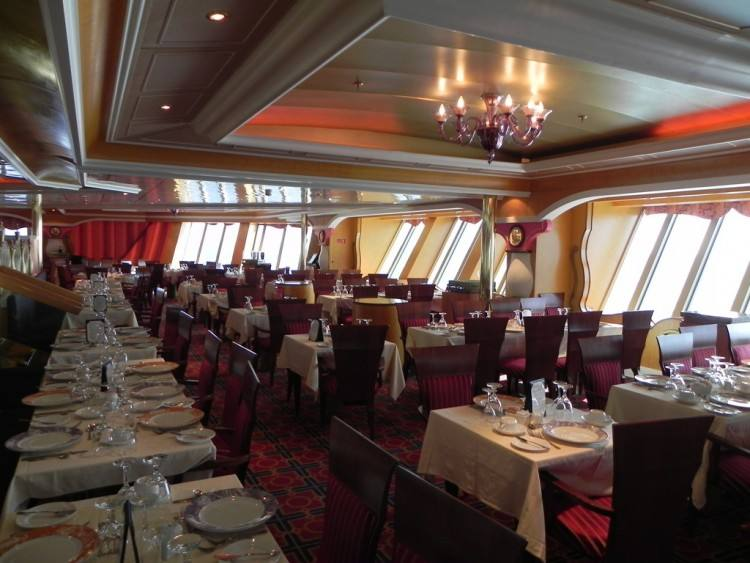 Lincoln Restaurant (Main Dining Room) Cuisine: Continental Dress Code: Two  formal nights; others resort attire