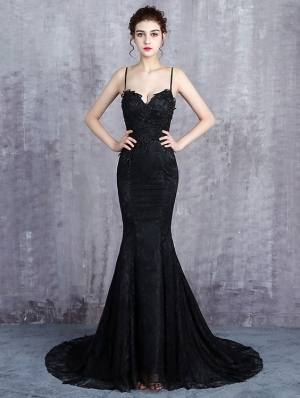 Perfect gothic style wedding dress