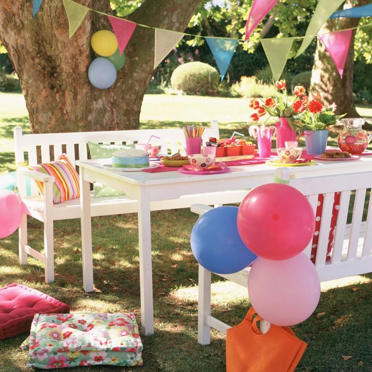 outside party decorations blog 50s party decorations diy