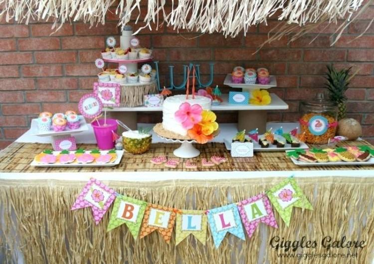 Check out these fun and festive Hawaiian Luau Party Ideas