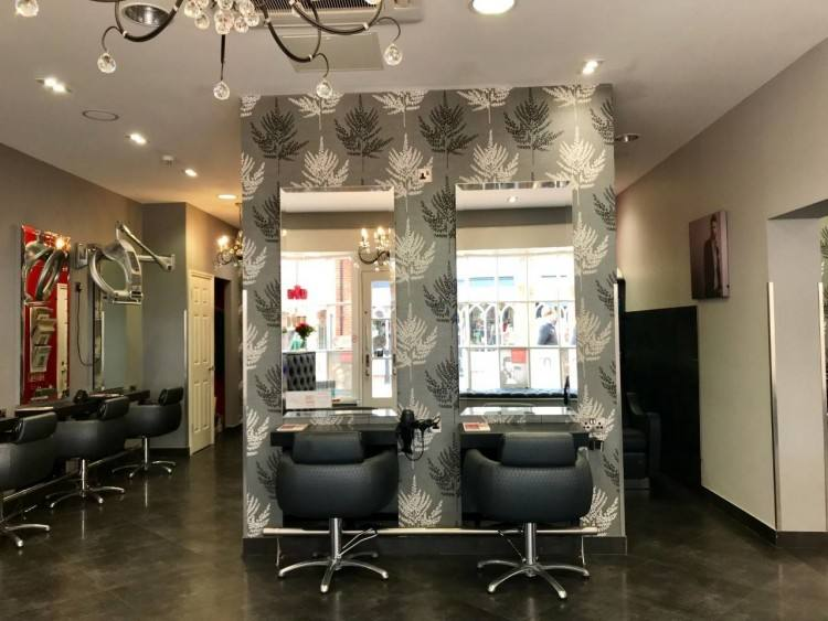 Mane Street Salon & Day Spa's