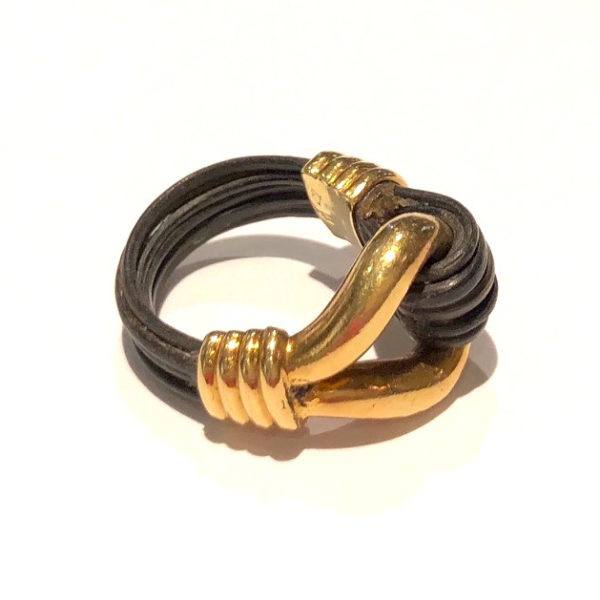 22Carat Yellow Gold and Elephant Hair Unisex Bracelet www