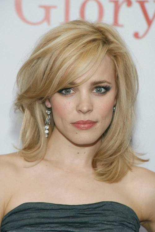 Picture of a splendid straight blonde shoulder  length hair