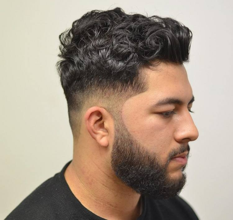 The Best Men's Curly Hairstyles & Haircuts